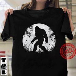 Bigfoot Hiding in Forest Women T shirt
